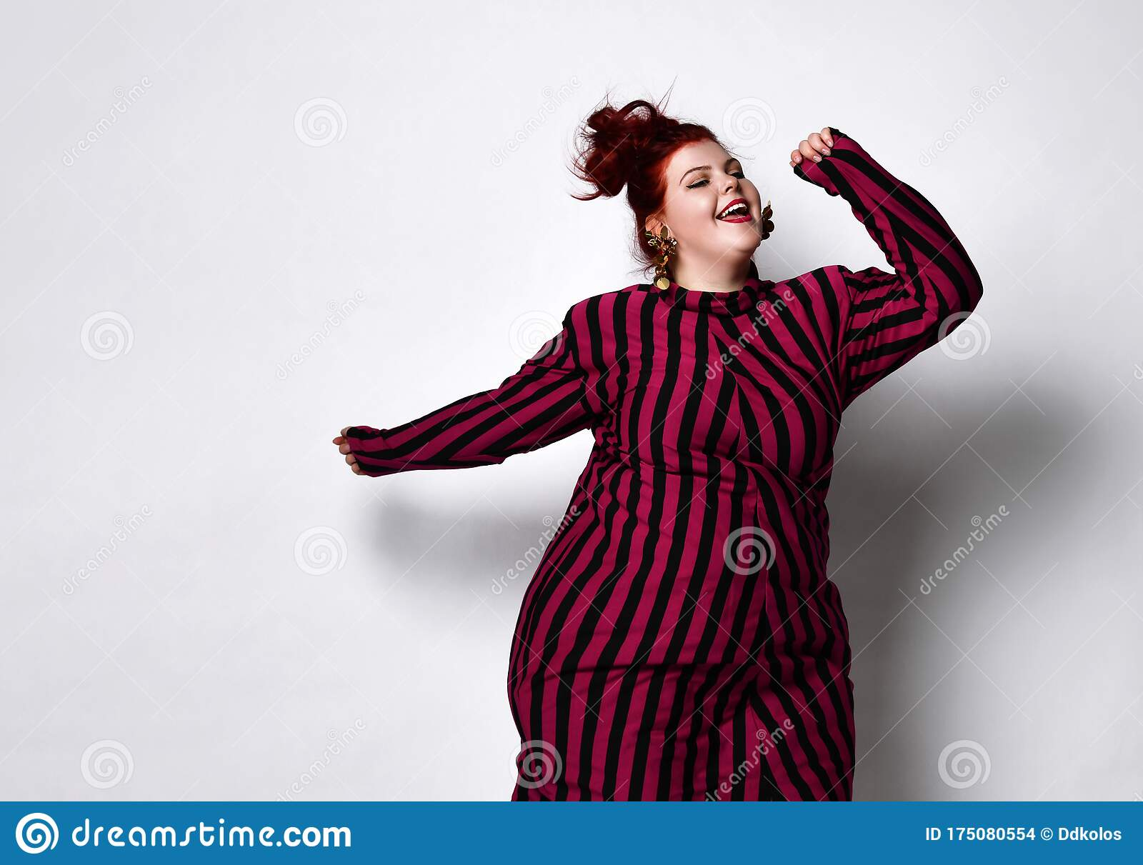 Fat Redhead Girl Pink Dress Pictures