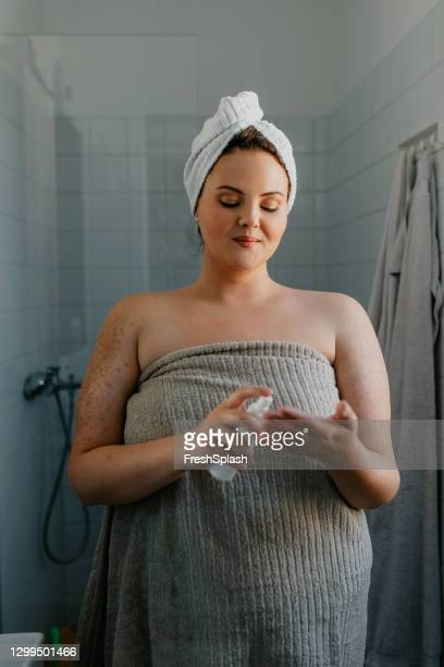 Fat Woman In The Shower Pic