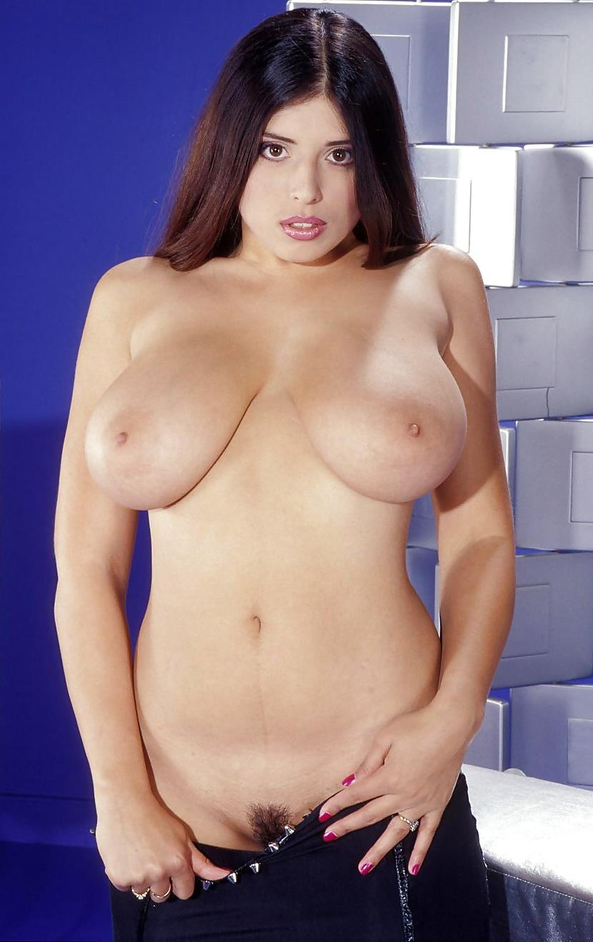 Kerry Marie Sexy Tits Pic